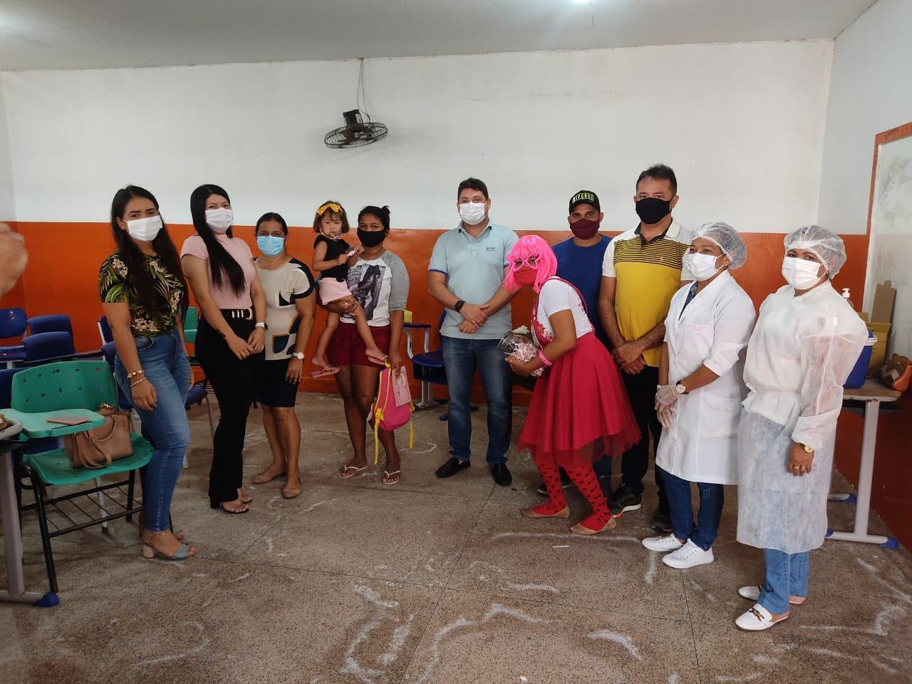 Imunizados: Secretaria de Saúde inicia vacinação da Cocivd-19, dos profissionais da educação de Lago Verde.