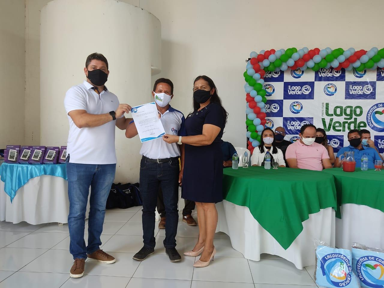 Prefeitura de Lago Verde entrega novo fardamento e tablet´s para Agentes Comunitários de Saúde.